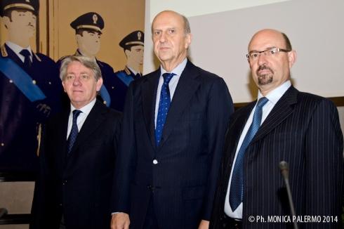 Da sinistra:  il Prefetto Santi Giuffré, il Capo della Polizia Alessandro Pansa e il Dr. Roberto Sgalla