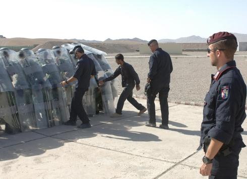 Carabinieri addestrano militari stranieri