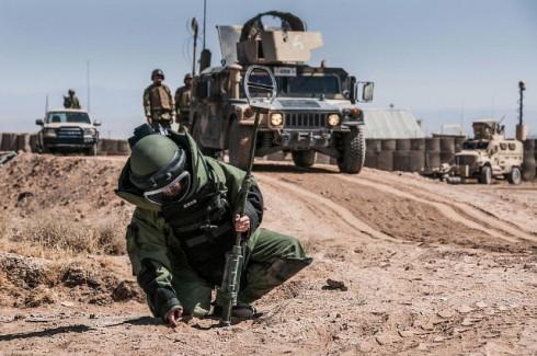 """Un Geniere dell'Esercito afgano in azione nell'area addestrativa """"C-IED"""""""