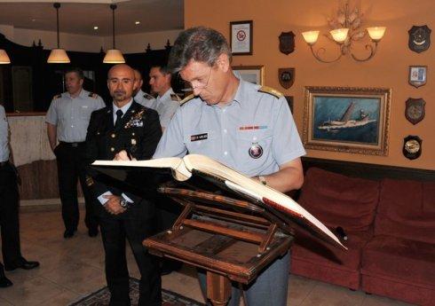 La firma dell'albo d'onore
