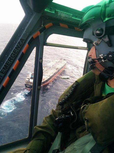 Elicottero Ab 212 : Oristano un elicottero ab dell ° centro combat sar