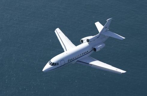 001 Falcon 900