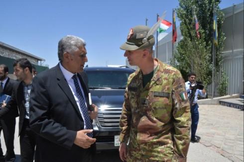 Il gen Risi con il governatore della provincia di Herat Mr Rahimi
