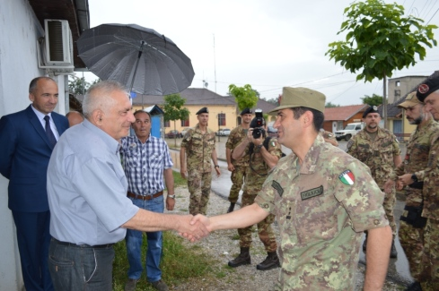 Il generale Figiuolo e il vicesindaco Petrovic