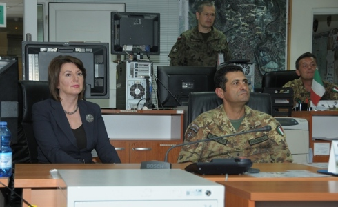 Il Presidente e il Comandante di KFOR durante il Briefing