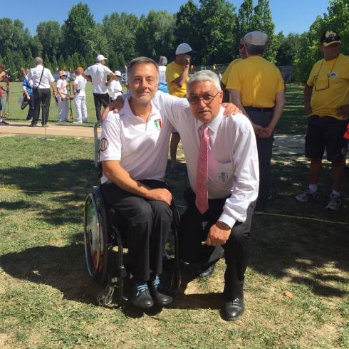 Ten. Col. Roberto Punzo del GSPD con il presidente della FITARCO, Mario Scarzella