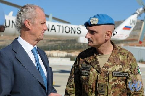 Il generale Portolano con il ministro della Difesa spagnola Pedro Morenés Eulate