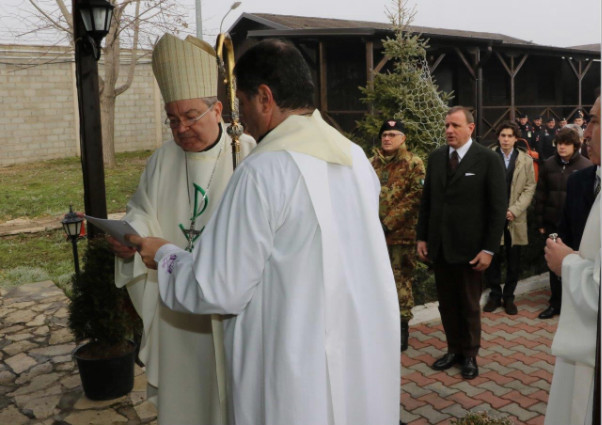L'ordinario militare ha trascorso il Natale con il contingente italiano in Kosovo (1/3)