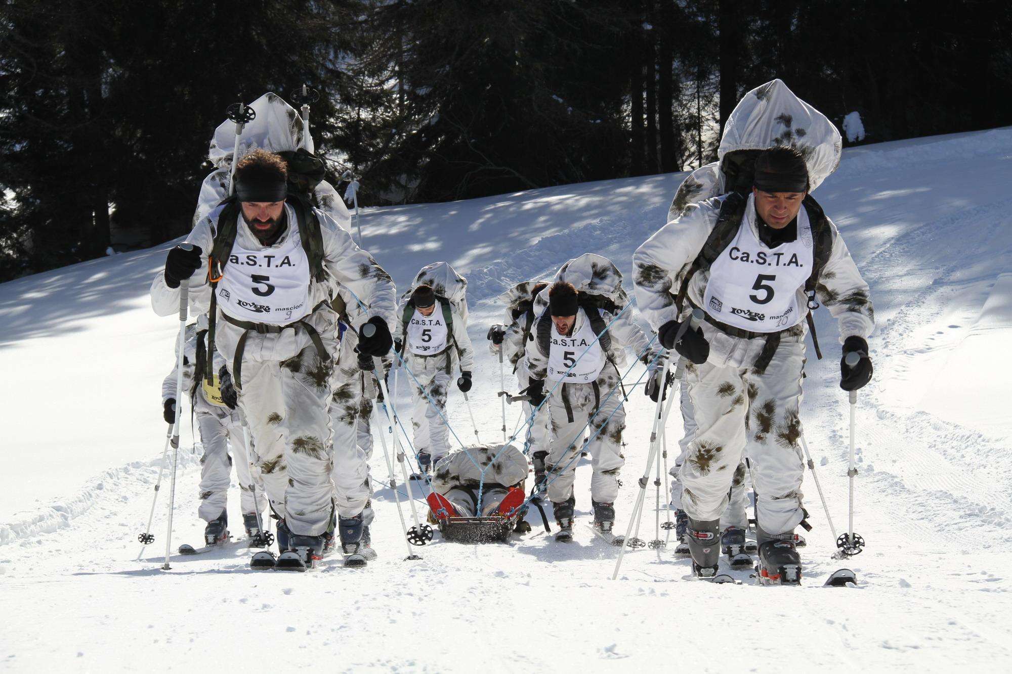 Bolzano  i campionati sciistici delle Truppe Alpine all Orobie Film ... 6368e14d92e2