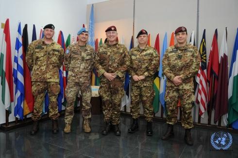 Il comandante del COI in visita al quartier generale di UNIFIL
