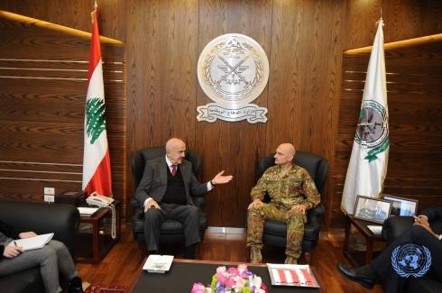 Il generale Portolano inncontra il ministro della Difesa Samir Moqbel