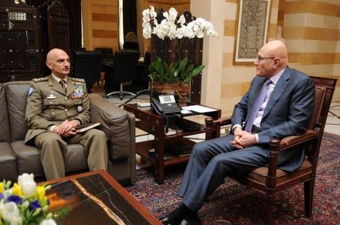 Il generale Portolano inncontra il primo ministro Tammam Salam