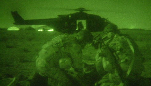 NH 90 del 7 Vega in attività notturna di Personnel Recovery