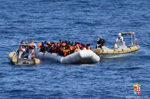 Nave Fulgosi, 21 febbraio: inizio soccorsi imbarcazioni
