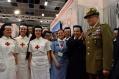 Il generale Graziano visita lo stand corpi della Croce Rossa Italiana ausiliari delle Forze Armate