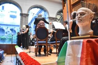 Il busto di E. A. Mario compositore della Leggenda del Piave