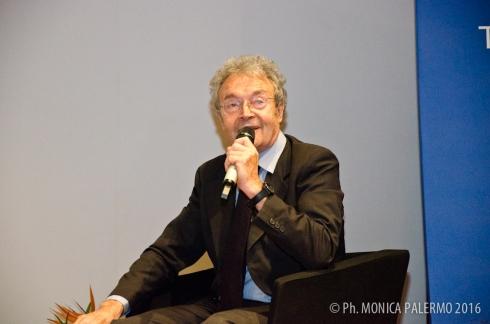 Il designer Armando Milani