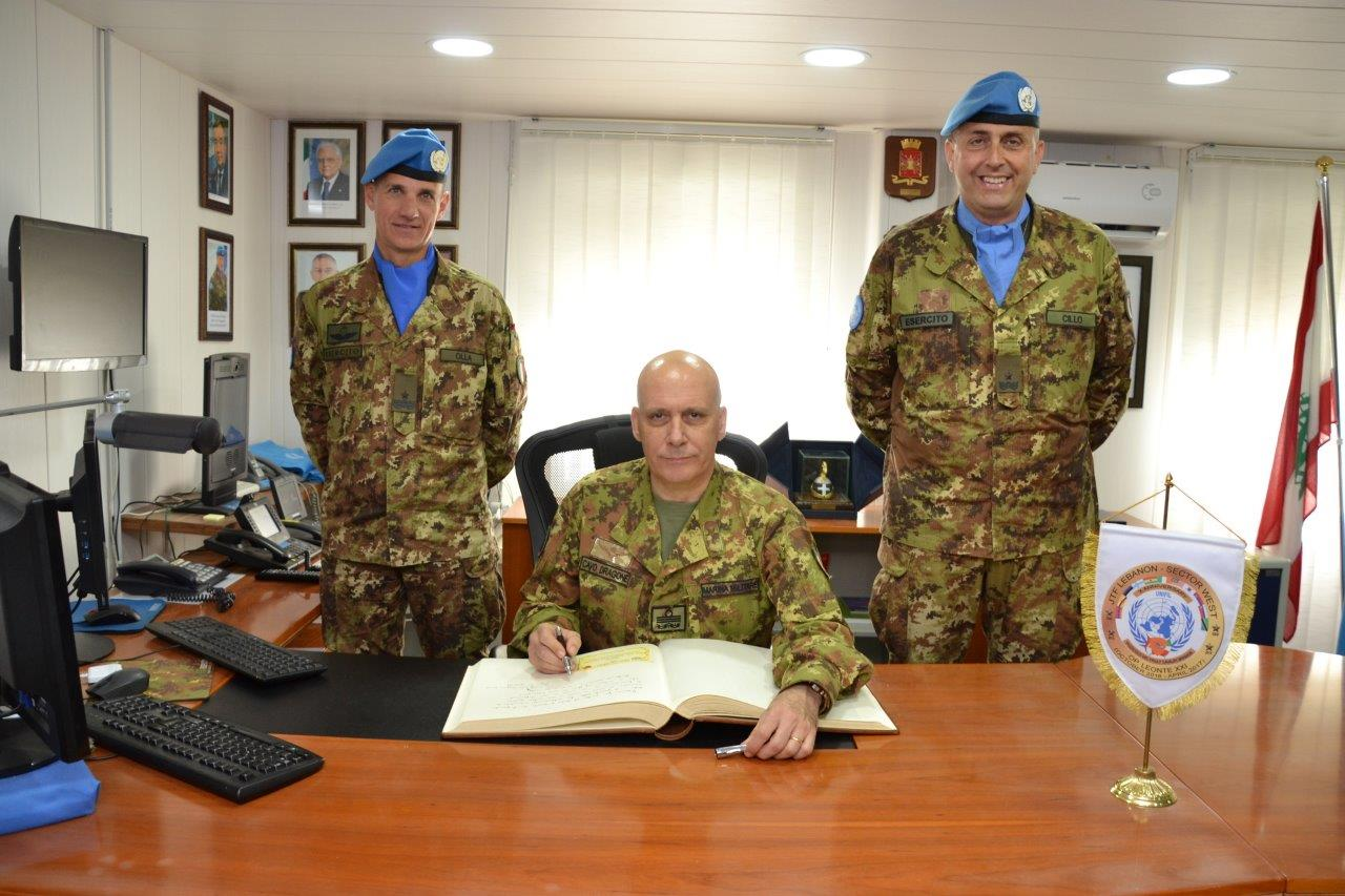 2017-04-27 GRANATIERI AL COMANDO DEL CONTINGENTE ITALIANO IN LIBANO (2)