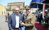 Il Capo di Stato Maggiore dell'Esercito consegna alcuni riconoscimenti al personale civile del Polo Mantenimento Pesante Nord e Polo Nazionale Rifornimenti