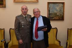 Il Generale di Corpo d'Armata Claudio Mora con il Professor Michael M. Merzenich