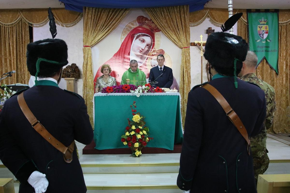 Don Salvatore celebra la santa messa