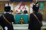 Don Salvatore celebra la santamessa