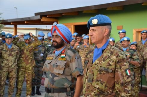 Il Gen.B. Olla, Comandante del contingente italiano, e il parigrado Sandeep Singh BAJAJ, deputy Force Commander di UNIFIL