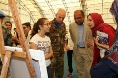 Esposizione di alcuni dipinti dei gionvani della municipalita' di Al Bazuriyah