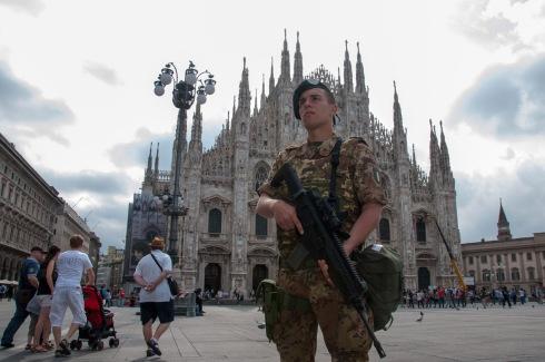 Milano_PiazzaDuomo_Attività di Pattugliamento dinamico (2)