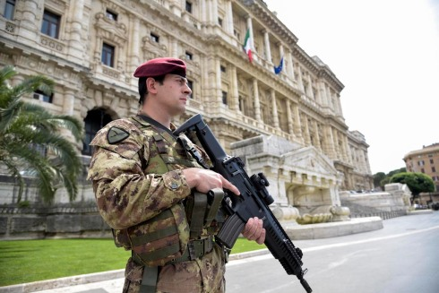 Militari del 185° in servizio presso la Corte di Cassazione (9)