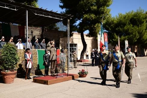 Bandiera 9 Reggimento lascia lo schieramento