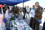Libano - i militari italiani celebrano la giornata internazionale della pace con la popolazione locale (7)