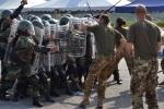 Plotone delle LAF con equipaggiamento CRC italiano durante l'addestramento
