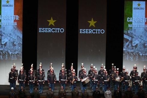 Banda dell'Esercito suona il Canto degli Italiani 2