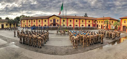 171114 gra 6. cerimonia dell'alzabandiera al Reggimento Lancieri di Montebello (8°)