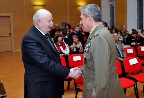 Il Vice Comandante Militare della Capitale saluta il reggente dello SMOM