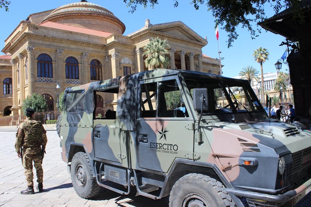 L'Esercito impegnato nell'Operazione Strade Sicure a Palermo (2)