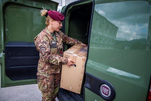 Kosovo - Consegna equipaggiamento ai Vigili del Fuoco
