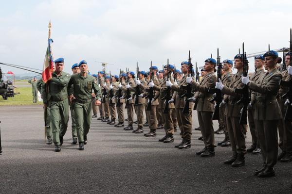Onori allo Stendardo del Centro Addestrativo dell'Aviazione dell'Esercito