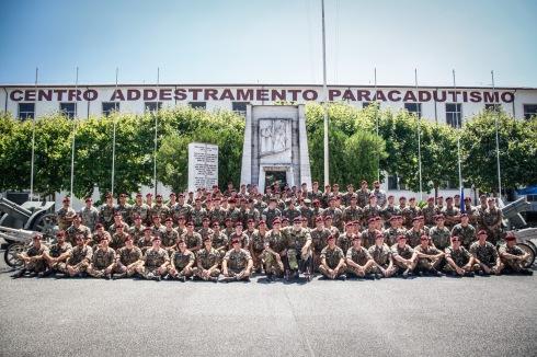 7. Foto del 55 corso di Paracdutismo con il Ten Col Paglia