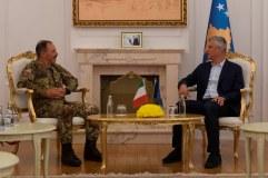 Il Capo di SME con il Primo Ministro del Kosovo, Ramush HARADINAJ (9)