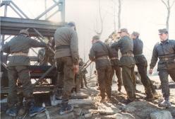 89 1994 Alluvione in Piemonte - Costruzione ponte sul fiume Bormida