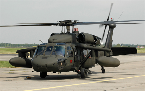 thumb2-sikorsky-uh-60-black-hawk-military-transport-helicopter-american-helicopters-airfield