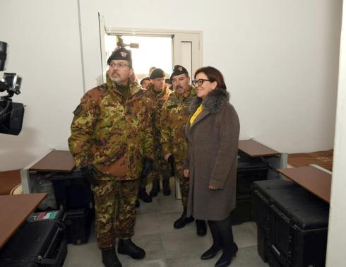 alcuni momenti della visita del ministro della difesa homepage(1)