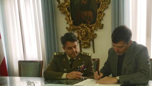 il Brig. Gen. Corrado Maria Durante e il Dott. Silvio Falco