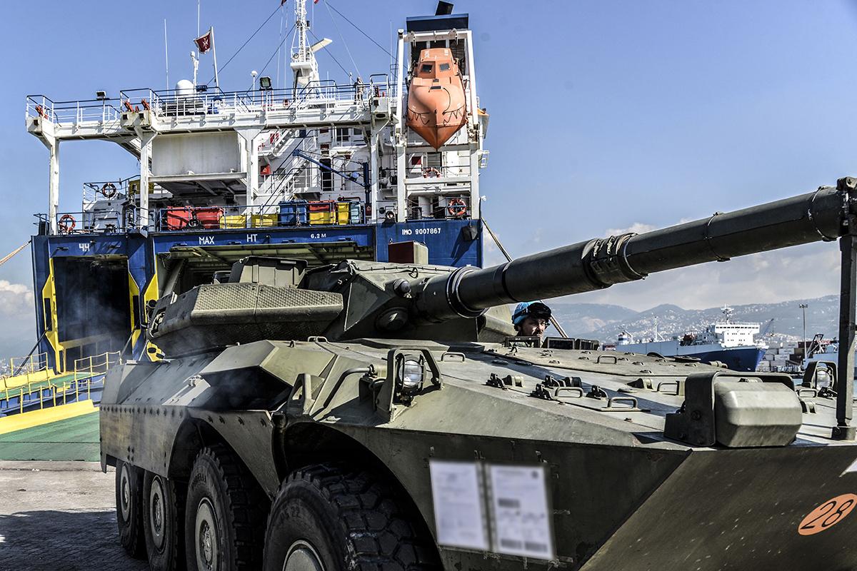 UNIFIL_Afflusso e deflusso mezzi blindati da e per la madrepatria(2)
