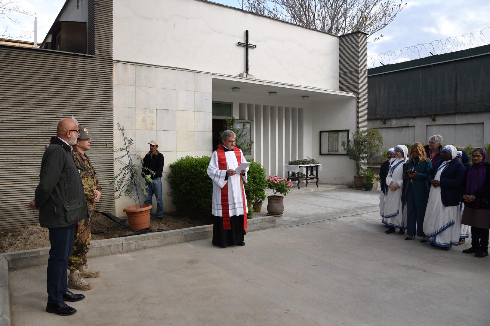 1. Afghanistan, un momento della cerimonia, padre Giovanni Scalese durante il suo intervento