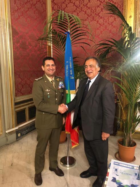 Comandante Logistico con Sindaco di Palermo