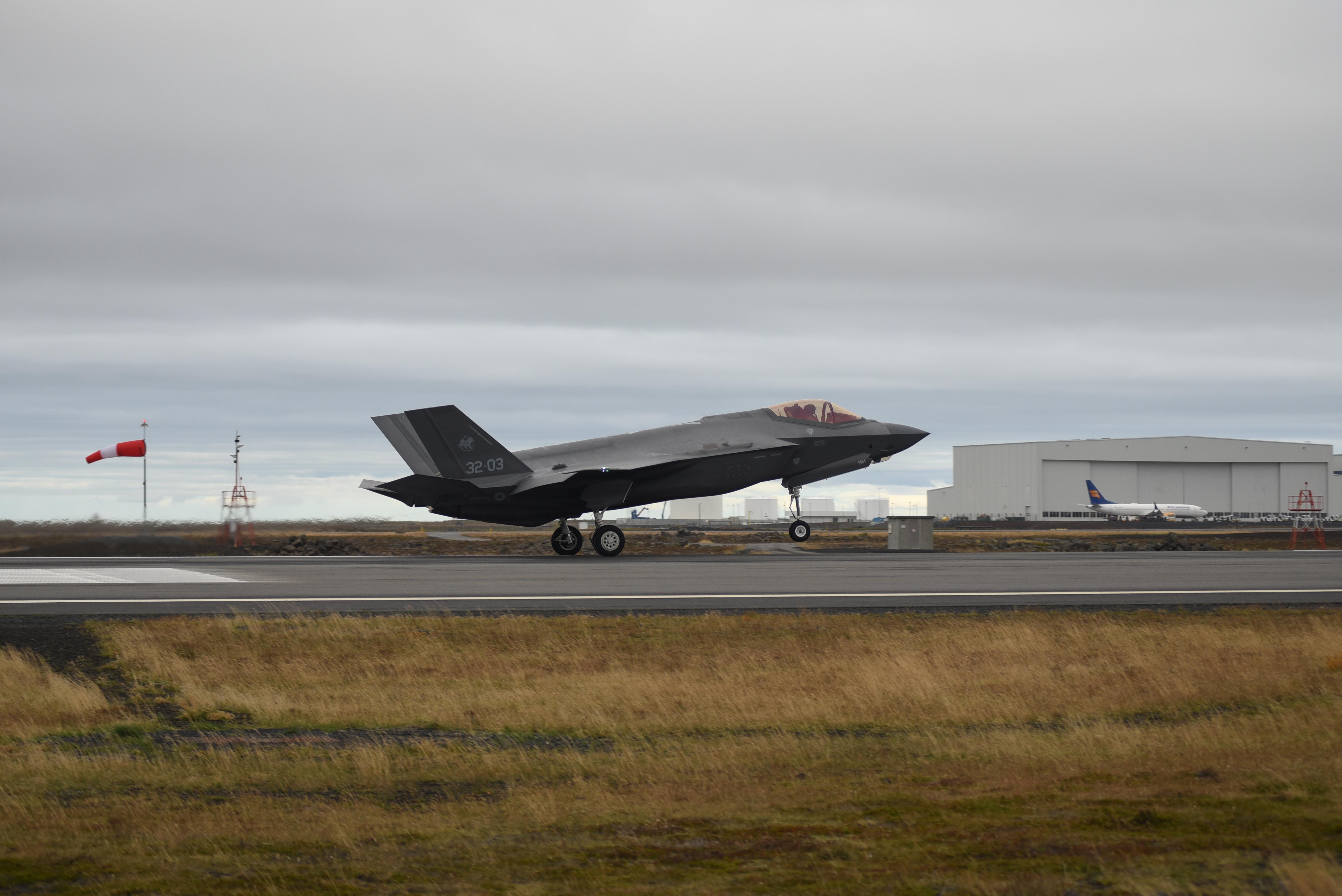 """ISLANDA: AL VIA L'OPERAZIONE NATO """"NORTHERN LIGHTNING"""""""