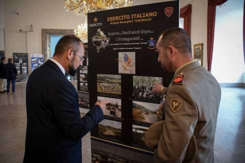 Mostra fotografica sull'ingresso del contingente italiano in Kosovo